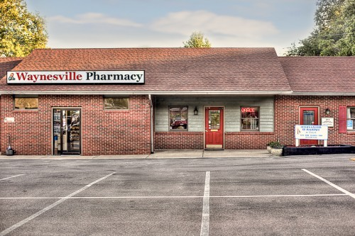 image of waynesville pharmacy exterior